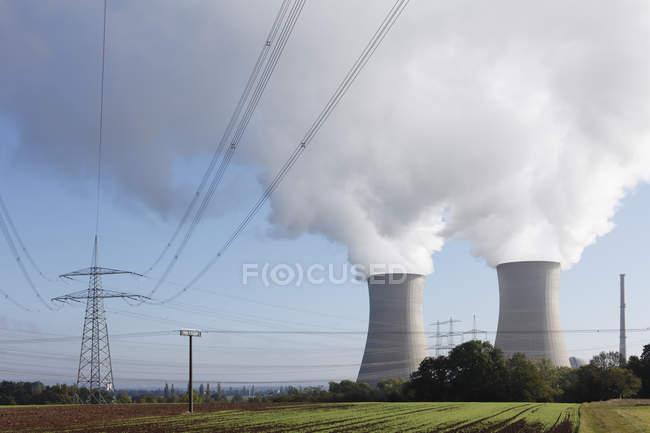 Germania, Baviera, Grafenrheinfeld, Veduta della centrale nucleare — Foto stock