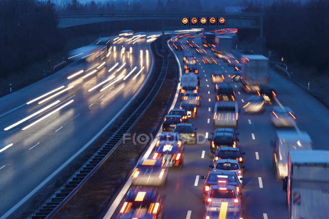 Rush hour at evening on highway in Munich, Germany — Stock Photo
