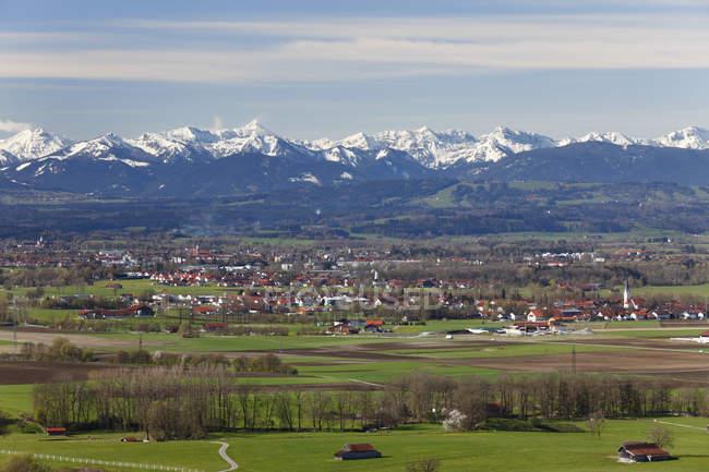 Allemagne, Bavière, vue de la ville et les Alpes — Photo de stock