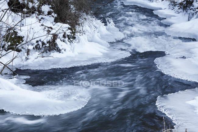 Germania, Baviera, Franconia, Veduta del ghiaccio sul fiume — Foto stock