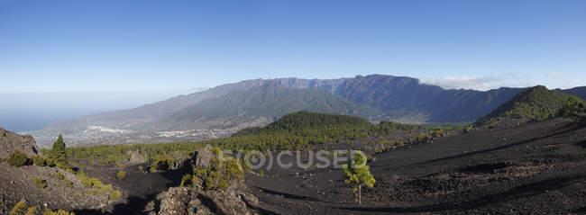 Панорама гірський ландшафт — стокове фото