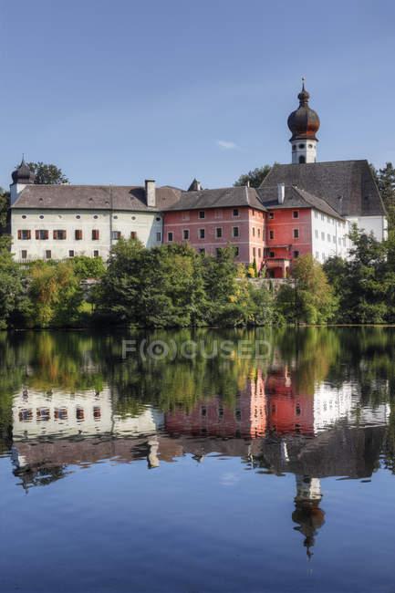 Bâtiments traditionnels et Hoeglwoerther Voir — Photo de stock