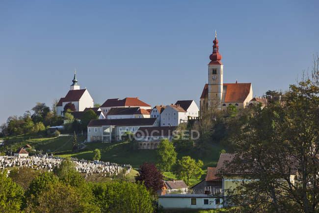 Straden Stadtbild mit blauem Himmel — Stockfoto