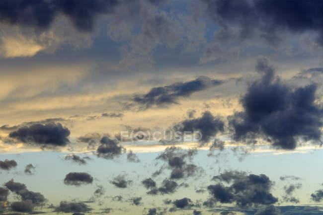 Deutschland, Bayern, München, Ansicht des Abends Wolken — Stockfoto