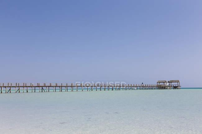 Egitto, Hurghada, vista dall'isola di Giftun al molo di Orange Bay — Foto stock