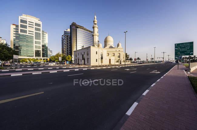 ОАЭ, Дубай, мечеть Аль Мактум й в дневное время — стоковое фото