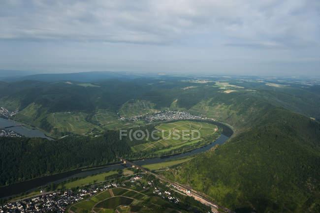 Allemagne, Rhénanie-Palatinat, vue aérienne de la boucle Moselle à Bremm — Photo de stock