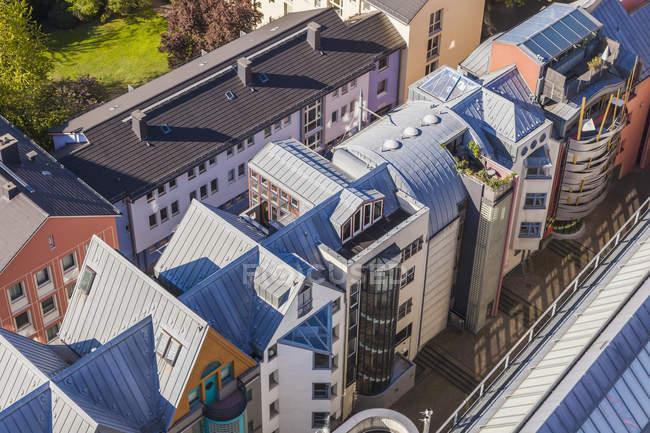 Germany, Hesse, Frankfurt, view to post-modern multi-family houses from above — Stock Photo