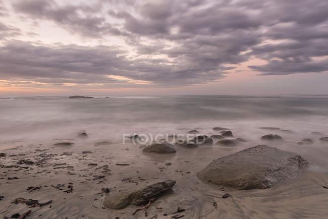 Nuova Zelanda, Isola del Sud, Tasmania, Kahurangi Point crepuscolo sulla spiaggia — Foto stock