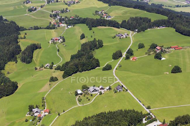 Австрія, Зальцбург держави, Зальцкаммергут, Thalgau, подання до дисперсних поселення — стокове фото