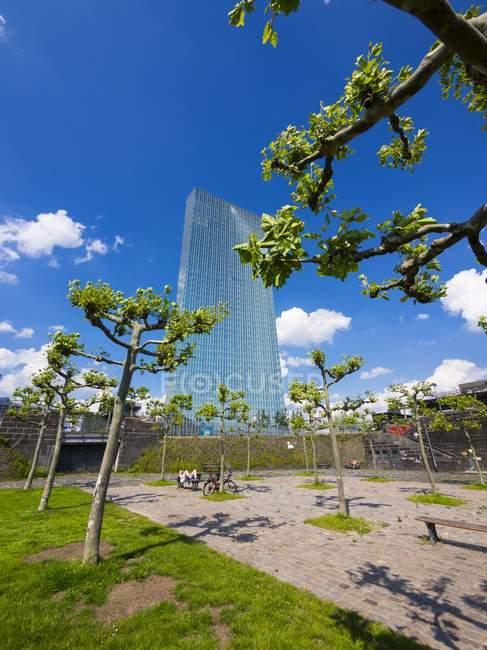 Alemanha, Hesse, Frankfurt, novo prédio do Banco Central Europeu — Fotografia de Stock