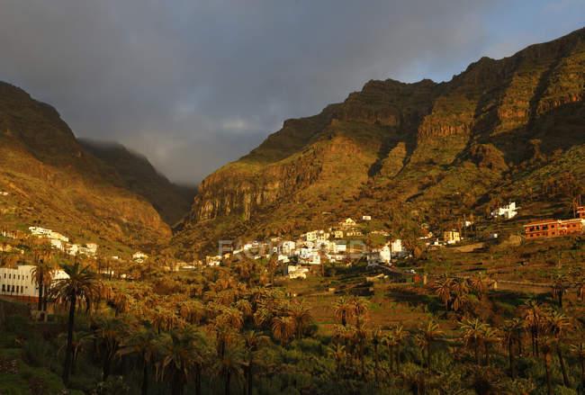 Village de Vizcaina dans la vallée — Photo de stock