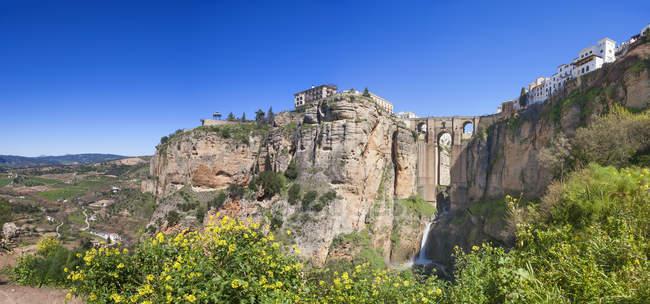España, Ronda, Vista del Puente Nuevo en Ronda - foto de stock