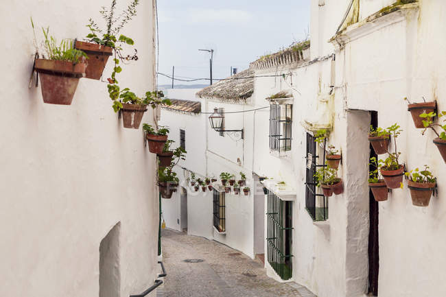 Spain, View of alley in Arcos de la Frontera during daytime — Stock Photo