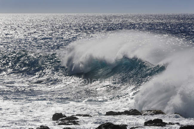 Rupture des vagues à La Gomera — Photo de stock