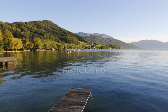 Áustria, Alta Áustria, Weyregg, Vista do Lago Attersee — Fotografia de Stock