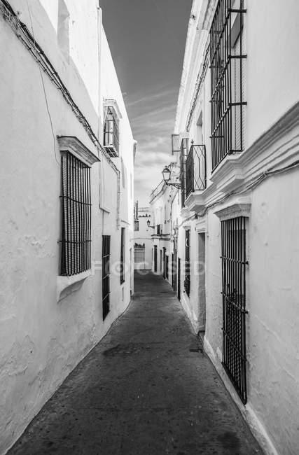 Spain, View of alley in Arcos de la Frontera, close up — Stock Photo