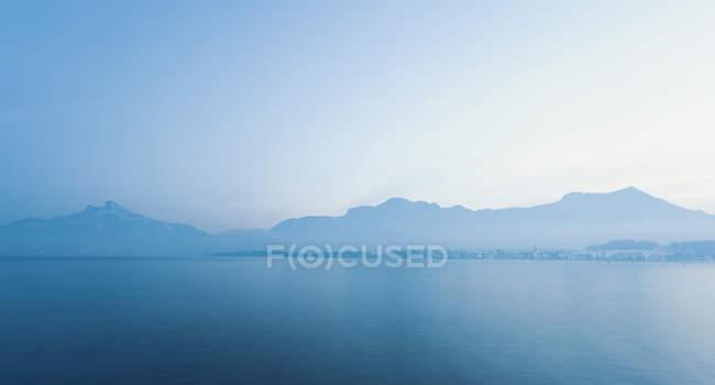 Austria, View of lake Mondsee  during daytime — Stock Photo