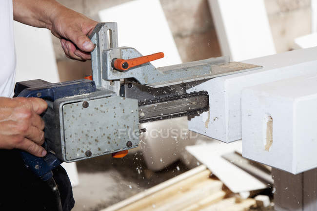Male hand drilling bar with milling machine — Stock Photo