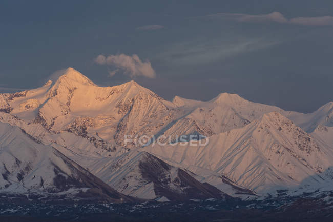 Usa, alaska, blick auf alaska-kette im denali-nationalpark — Stockfoto