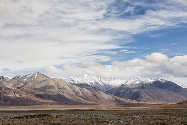 Estados Unidos, Alaska, vista de arroyo de la gama en Norteamérica - foto de stock