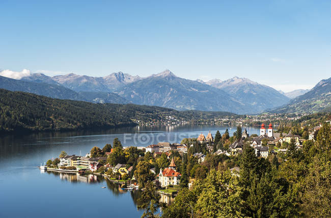 Ver vista de Millstatt y de Millstatter, Carintia, Austria - foto de stock