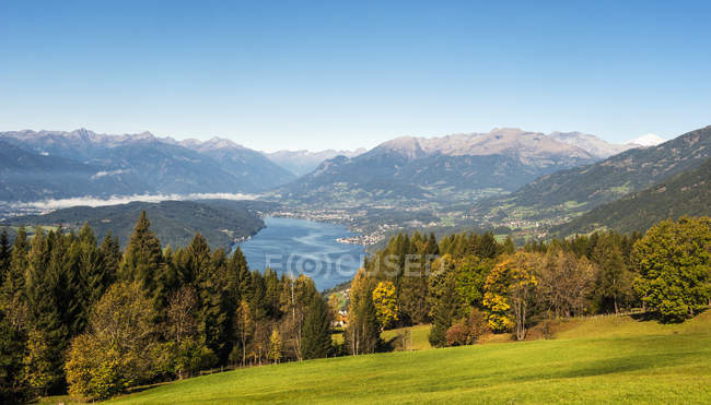 Austria, Carinthia, View of Millstatter See during daytime — Stock Photo