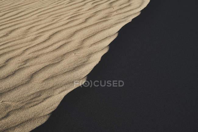 Италия, Фелиция, Порто-Пино, дюна, песок, рябь, тень — стоковое фото