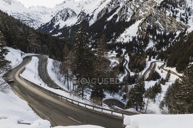 Швейцарія, Енгельін, маля проходить видно згори — стокове фото