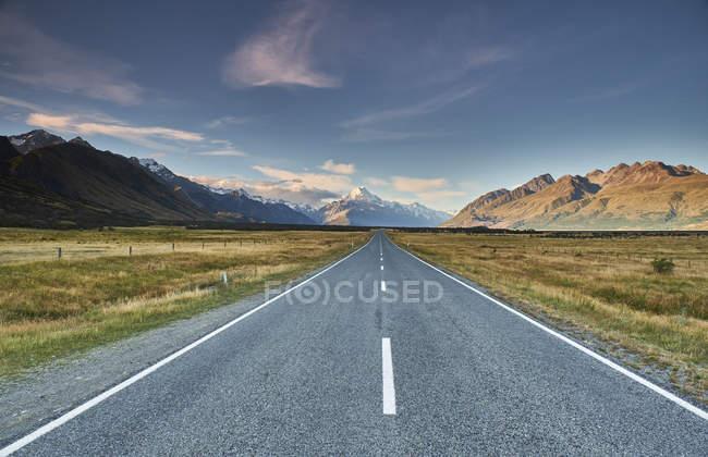 Нова Зеландія, Південний острів, Гора Кук Національний парк, Тасман долині Роуд — стокове фото
