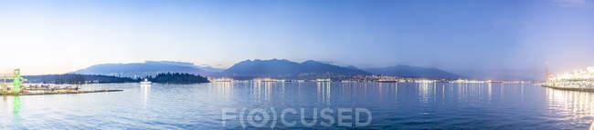 Canadá, Colúmbia Britânica, Vancouver, vista panorâmica do litoral, vista do porto — Fotografia de Stock