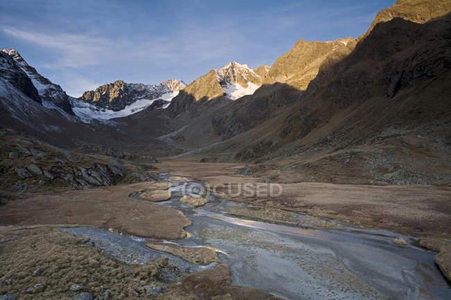 Áustria, Tirol, Stubaital, Hohes Moos na luz da manhã — Fotografia de Stock
