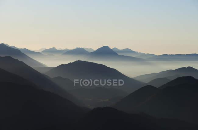 Österreich, Salzkammergut, Blick vom Schafberg zur Osterhorngruppe am Morgen — Stockfoto