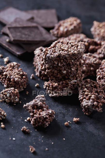Amaranth Quinoa Kekse mit bittersüßer Schokolade, Nahaufnahme — Stockfoto