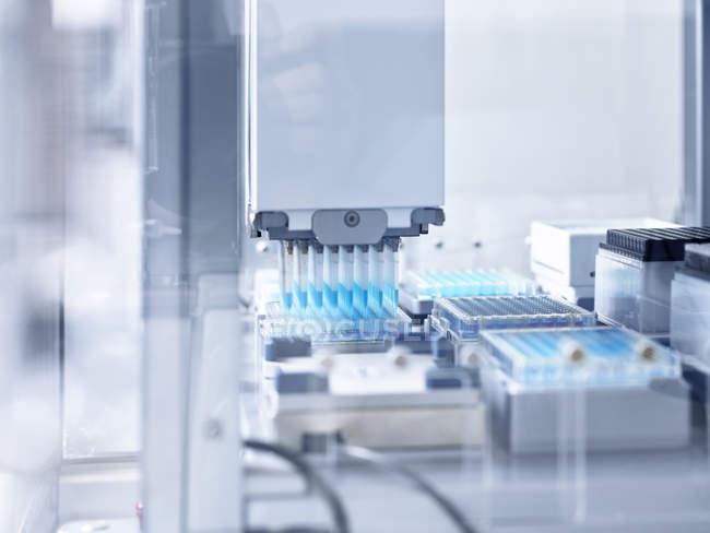 Apparecchiature per dispositivi e laboratori in laboratorio — Foto stock