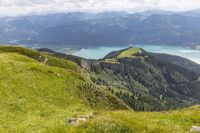 Österreich, Salzkammergut, Blick vom Schafberg zum Wolfgangsee — Stockfoto