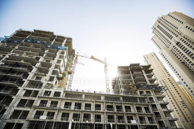 United Arab Emirates, Dubai, New building  at daytime — стоковое фото