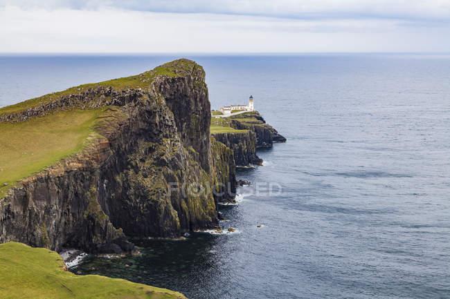 Vereinigtes Königreich, Schottland, Nner Hebriden, Insel Skye, Leuchtturm — Stockfoto