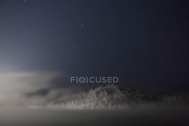 Rusia, Óblast de Amur, Río Bureya en invierno por la noche - foto de stock
