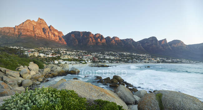 South Africa, Western Cape, Cape Town, Camps Bay, Twelve Apostles — Stock Photo