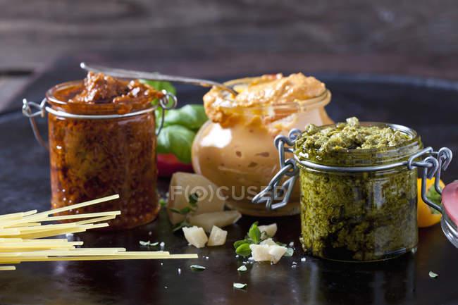 Various sorts of pesto — Stock Photo