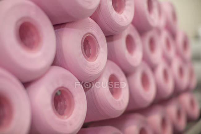 Крупным планом розовый хлопок барабаны — стоковое фото