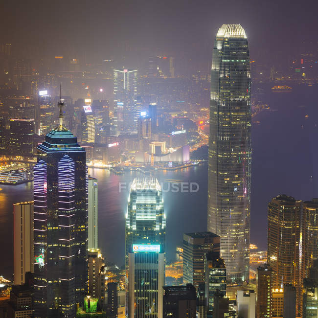 China, Hong Kong, Central and Tsim Sha Tsui at night — Stock Photo