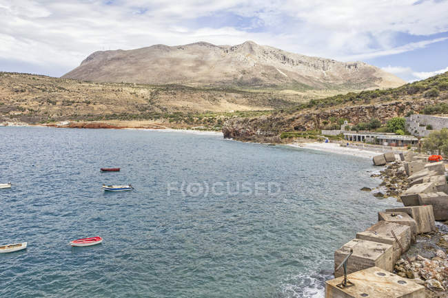 Greece, Peloponnese, Laconia, Mani peninsula, Itylo, Bay of Diros — стокове фото