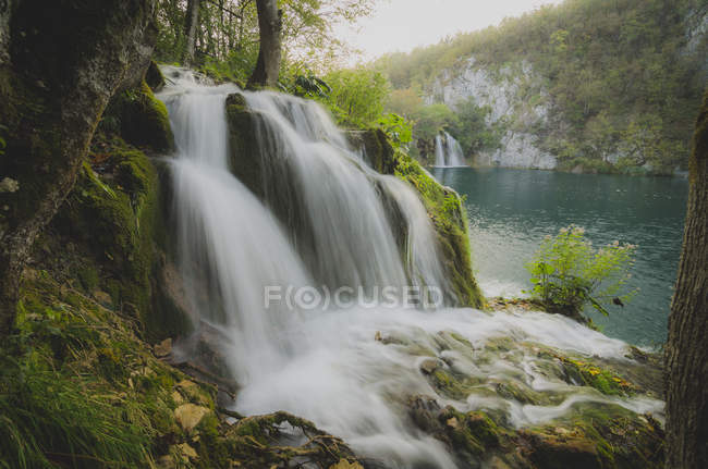 Kroatien, Nationalpark Plitvicer Seen, Wasserfall — Stockfoto