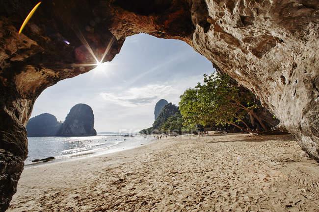 Thailandia, Railay Bay, Phra Nang Beach, Nang Cave Beach, Princess Cave — Foto stock