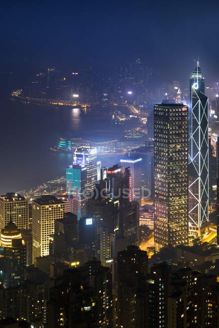 Китай, Гонконг, Центральна вночі — стокове фото