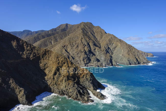 Spain, Canary Islands, La Gomera, Coast near Vallehermoso, View from Punta de Sepultura — Photo de stock