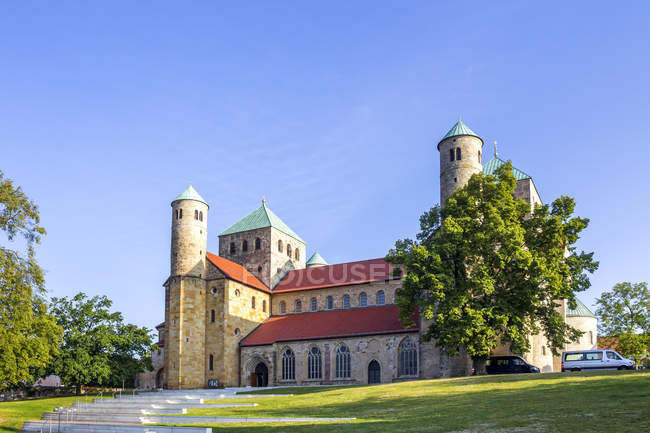 Germany, Hildesheim, St. Michael's Church at daytime — Stock Photo