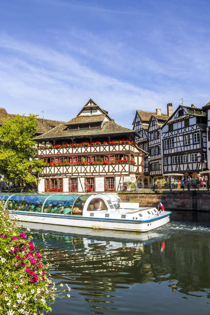 France, Alsace, Strasbourg, Old town, tourboat — Foto stock